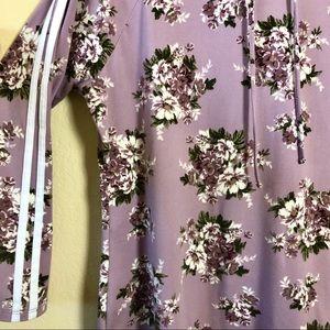 No comment Tops - No Comment Plus Floral Print Sport Style Shirt